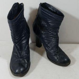 Chloe Navy Leather Back Zipper Booties Size 37
